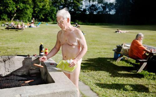 Sommar, sol, bad och lite grillat ...